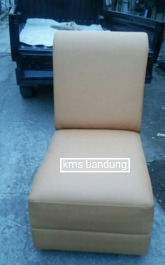 single sofa ruangan