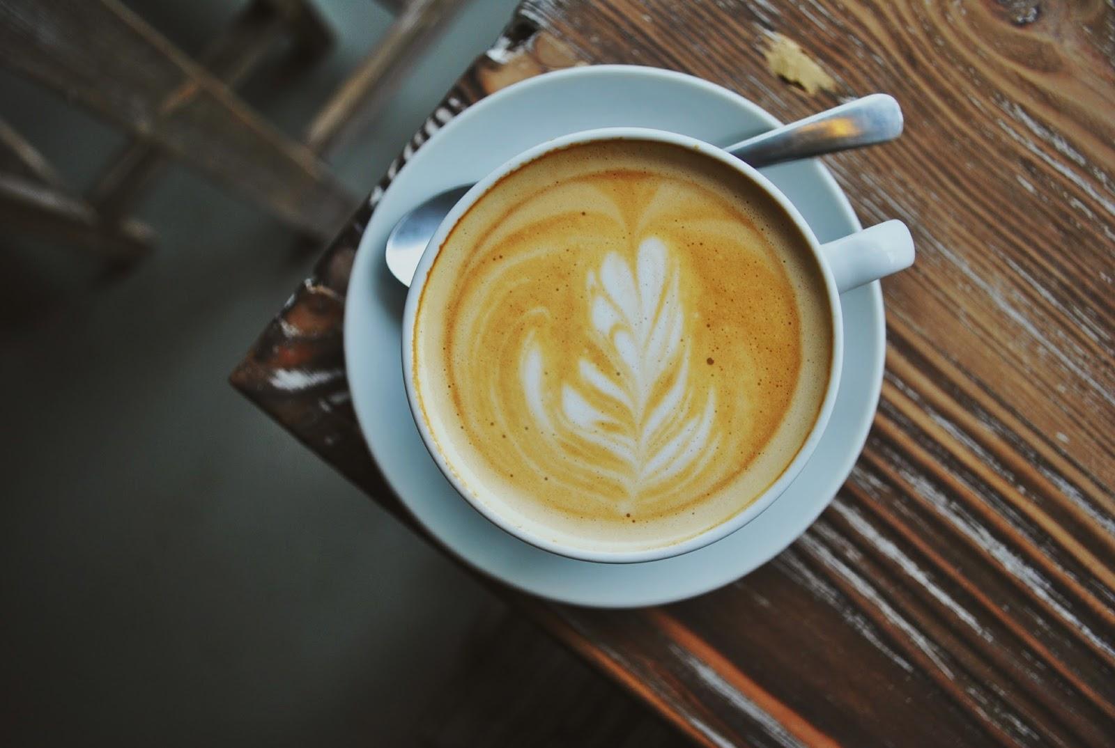 Yellow Truck Coffee - Depok : Nongki ala Mahasiswa - Flat White 1