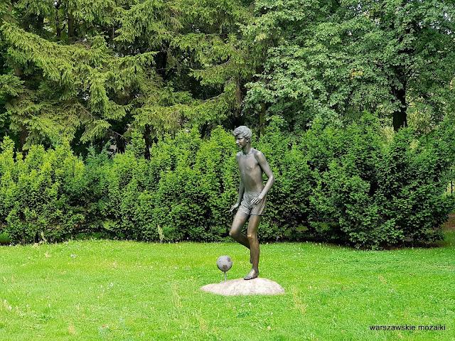 Warszawa Warsaw pomnik rzeźba Manczur pomnik AWF