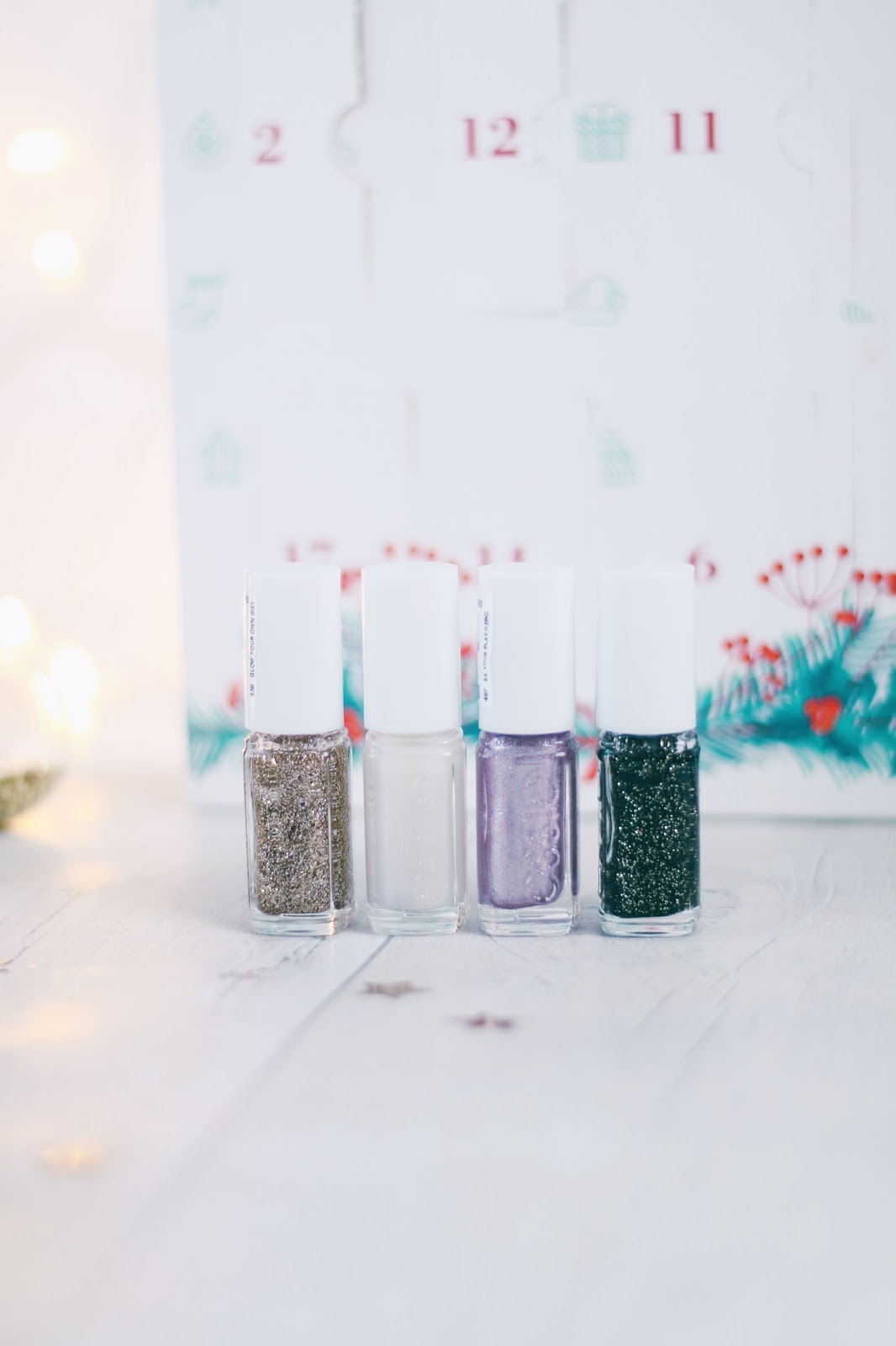 Beauty, Christmas, Drugstore, essie, Nails, essie advent calendar, essie advent calendar 2017, essie advent calendar review, essie nail polish, essie christmas nails,