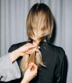 الشعر الجاف: جرب هذه البدائل الطبيعية للشامبو الجاف