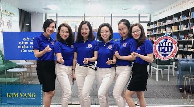 Áo đồng phục giúp tạo cảm giác chuyên nghiệp