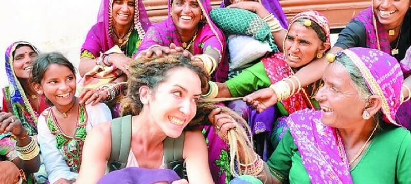 विदेशी लोगों को प्यार करती भारत की महिलाएं