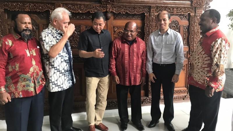 Menteri Jonan menjamu Pemprov Papua makan siang