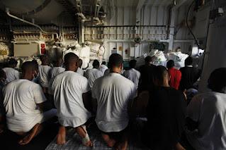 Tổng số người di cư của Libya đạt 4.000 người trong bối cảnh đàn áp lớn. ảnh:AP