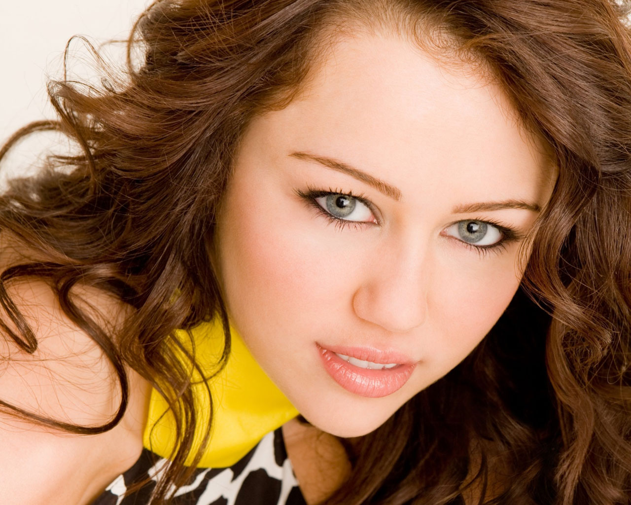 Miley Cyrus: Miley Cyrus Daughter Of Billy Ray Cyrus