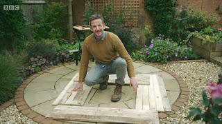 Nick Bailey builds a coldframe