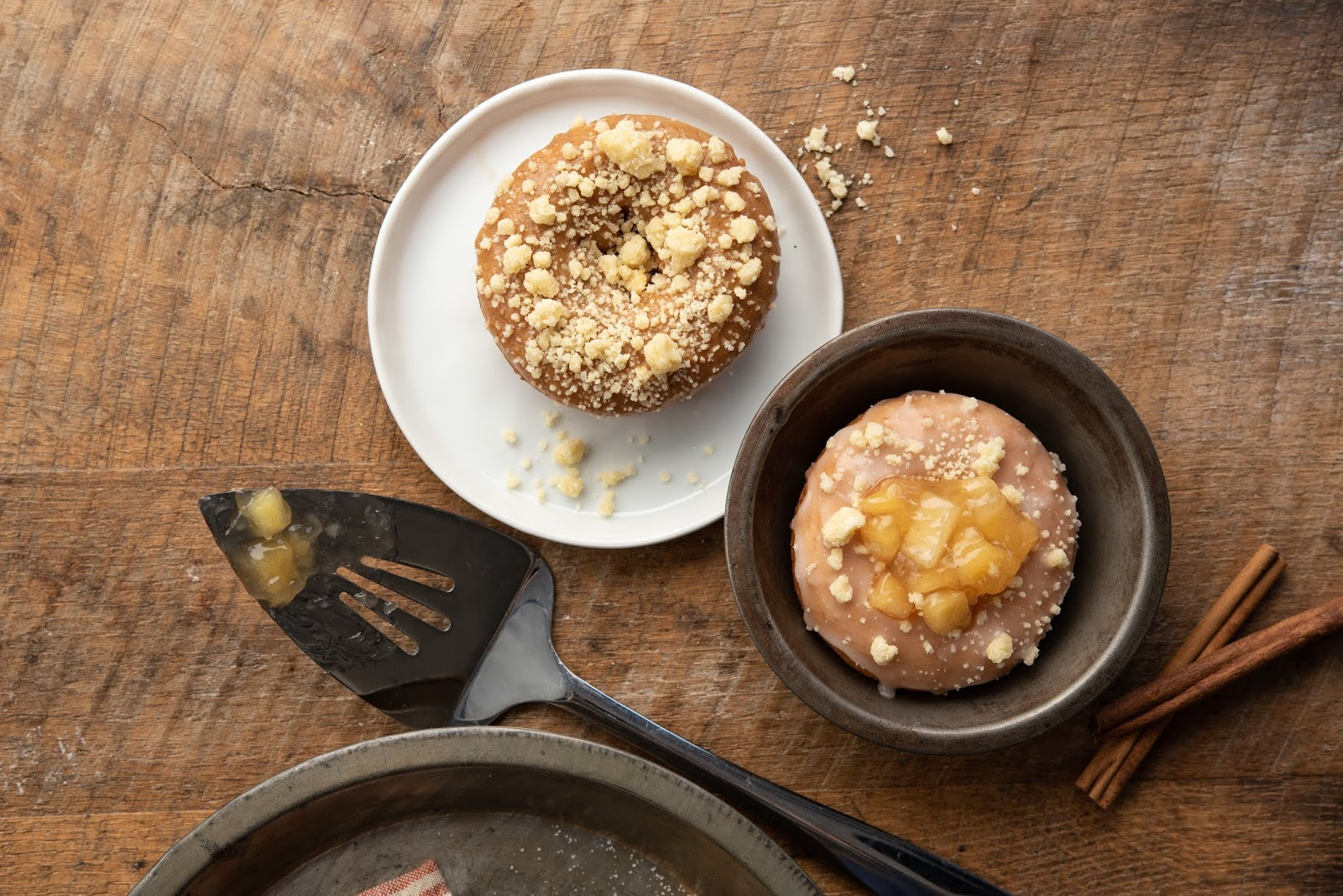 Duck Donuts Now Serves Warm Apple Pies As Donuts!