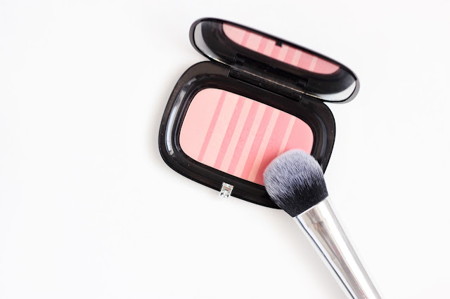 Marc Jacobs Air Blush Reseña