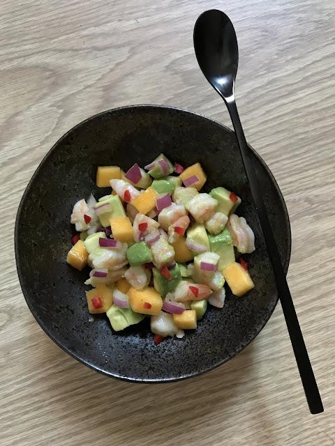 tartar de langostinos, aguacate y melocotón receta