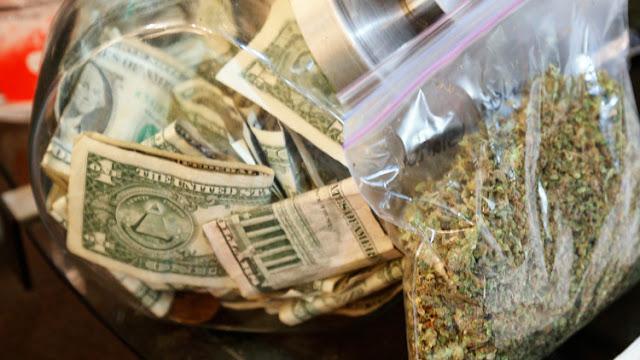¿El peor empresario del mundo?: Gana 3 millones de dólares en la lotería y los 'invierte' en drogas
