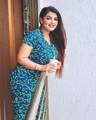 Khushi gadhvi Nude Photos