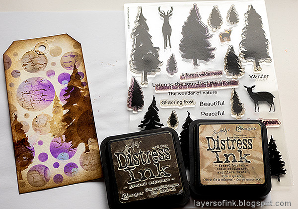 Layers of ink - Forest Tag Tutorial by Anna-Karin Evaldsson. Stamp with Simon Says Stamp Forest Scenery.