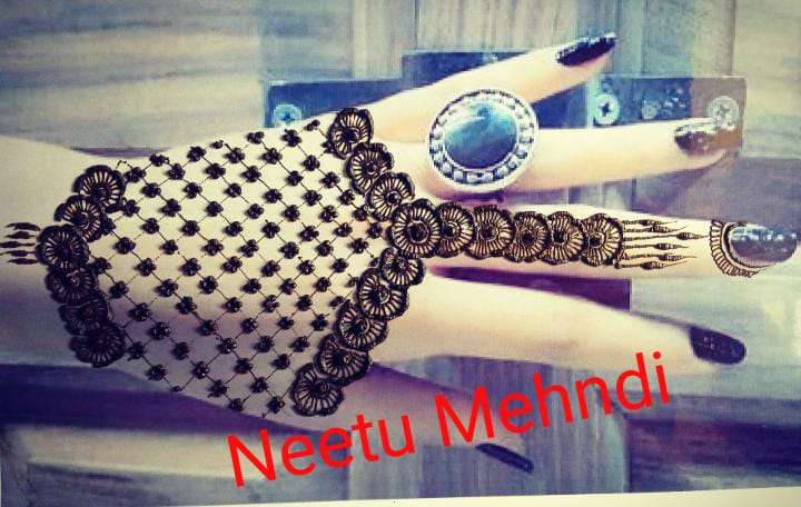 Back Hand Mehndi Design Bridal