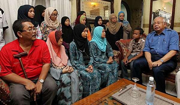 Perangi Fitnah, Berita Palsu Habis-Habisan - Najib