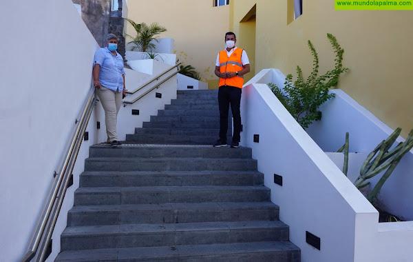 El Ayuntamiento finaliza la urbanización de las escaleras de Los Lajones en Puerto Naos