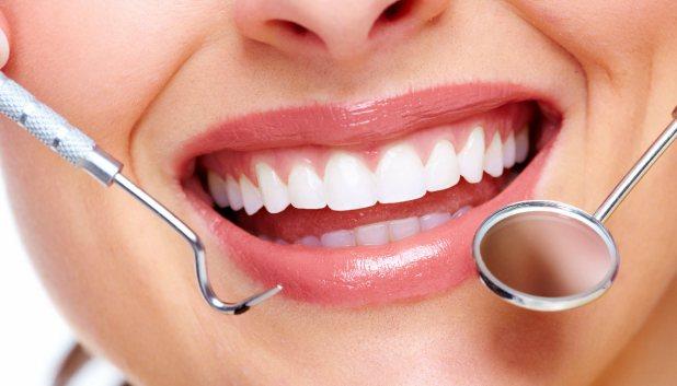 Kết quả hình ảnh cho Nếu tiến hành việc lên thân răng sứ quá gấp rút