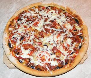 pizza, pizza de casa, retete pizza, reteta pizza, pizza italiana, pizza cu de toate reteta, pizza de casa cu blat subtire si pufos, pizza de casa simpla, pizza reteta, retete culinare, retete, retete de mancare, gustari, pizzreii, pizzerie, retete pizzerie, retete patiserie, pizza de casa reteta, food, #pizza, pizza preparatedevis,