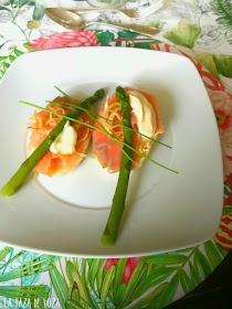 aperitivo-de-salmón-con-molletes-de-Antequera