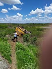 Acidente com carro dos correios na comunidade de Malhada Vermelha/Severiano Melo - RN.