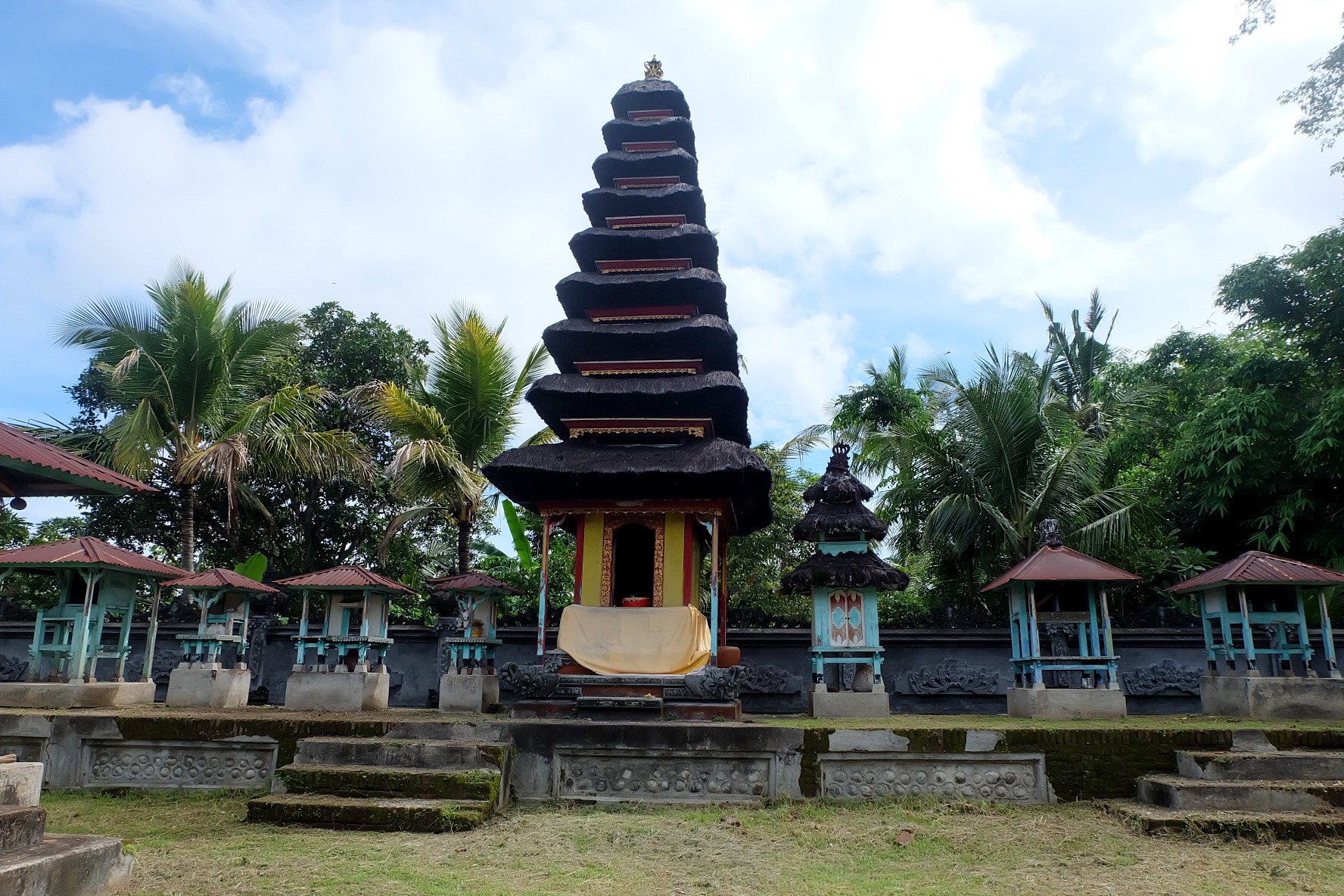 Pura Desa Pakraman Ularan, Buleleng