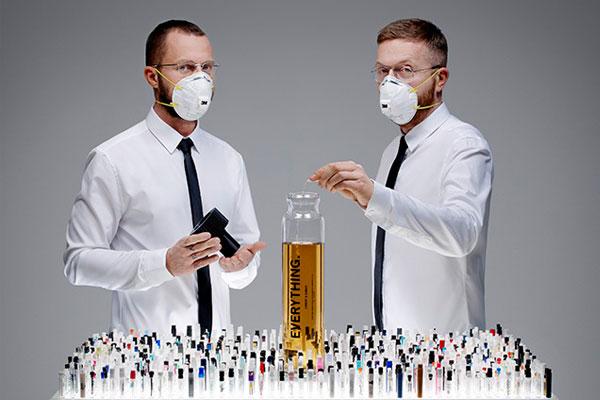 Wow, Orang Ini Mencampur 1.400 Aroma Parfum Dalam 1 Botol, naviri.org, Naviri Magazine, naviri majalah, naviri