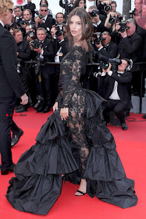 Emily-Ratajkowski-at-the-Premiere-of-Loveless-in-Cannes-7+%7E+SexyCelebs.in+Exclusive.jpg