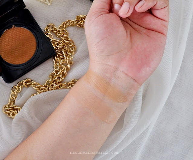 Swatch Looke Holy Flawless BB Cushion Clio Iris