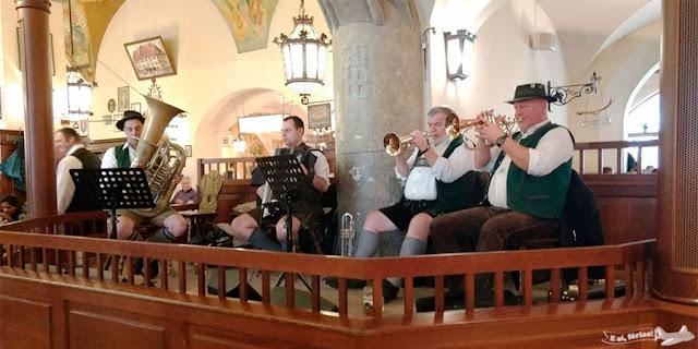 Banda da Cervejaria Hofbräuhaus, Munique, Munchen, Alemanha, Germany