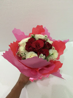 Hand Bouquet Roses