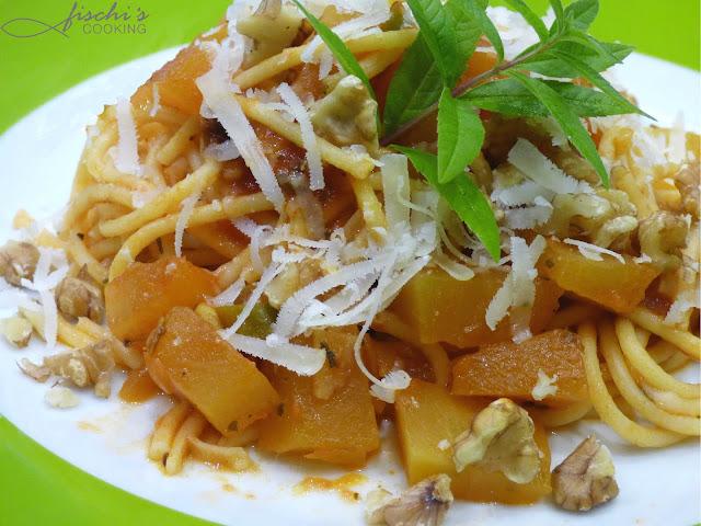 fischiscooking, spaghetti, pasta, kürbis, walnüsse, parmesan