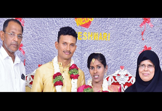 Muslim parents arrange Hindu daughter s marriage in the temple: Communal Harmony Project-52