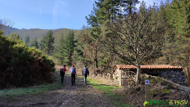Cabaña subiendo a Brañasín
