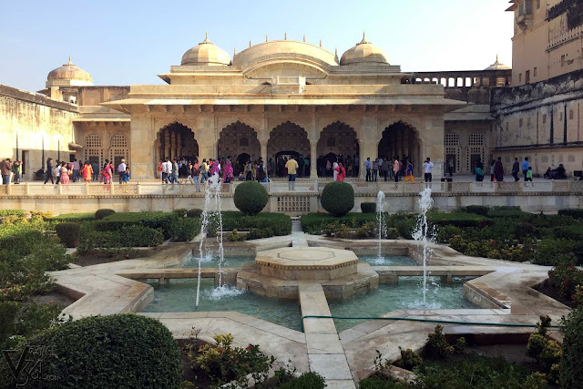 Sheesh Mahal and the gardens