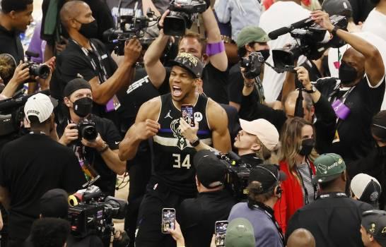 Los Bucks de Milwaukee  se proclamaron campeones de la NBA; primer títulos en 50 años