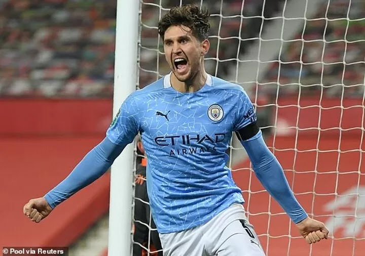 Stones in advanced talks with Manchester City over huge £39m contract extension