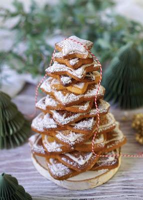 sapin de Noël en gateaux , sablés, trop gourmand