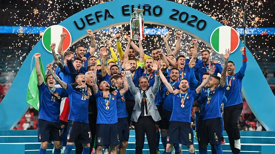 italy euro 2020 trophy
