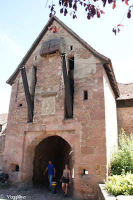 Porta alta di accesso a Riquewihr