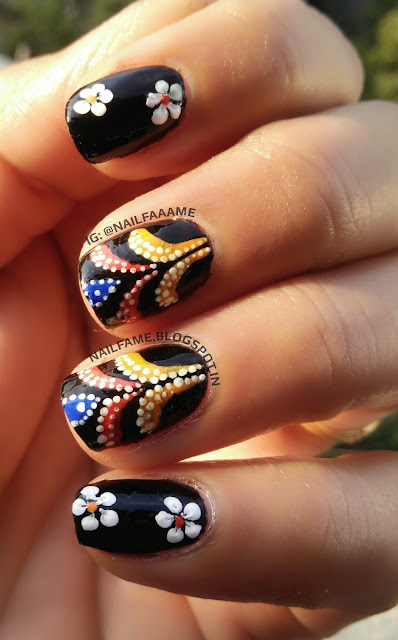 ABSTRACT PATTERN AND FLOWER NAILART