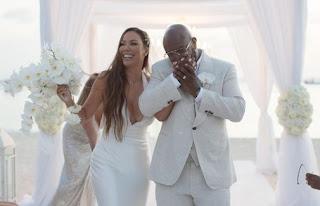 Traci Nash's ex-husband Wanya Morris with his wife Amber in their wedding dress