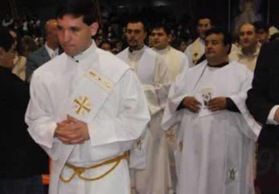 Abuso sexual acusan a Iglesia de soborno