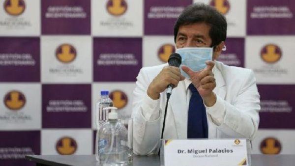 Critican en Perú ley que permite trabajar a médicos extranjeros