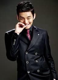 Yoo Ah In Mengaku Bohong Soal Tinggi Badan