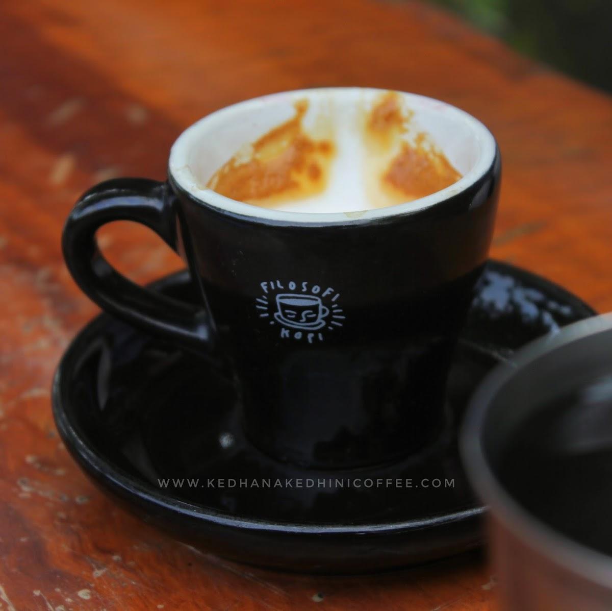 cangkir filosofi kopi