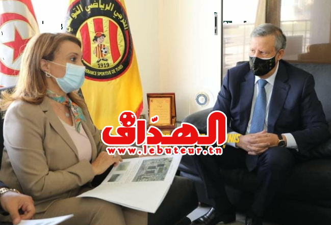 رئيسة بلدية تونس تمتصّ غضب المكشخين