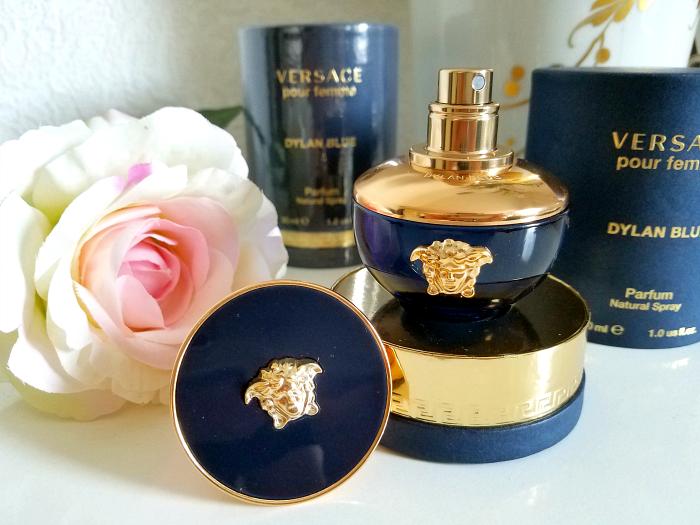 Review: VERSACE - Dylan Blue pour femme Eau de Parfum - Madame Keke Luxury Beauty and Lifestyle Blog 4