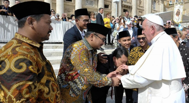 Menghormati Tokoh Non-Muslim pun Disunnahkan Rasulullah