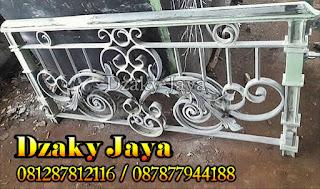 railing-balkon-besi-tempa-balkon-klasik-03