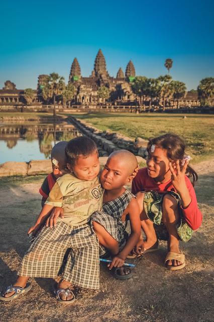 Счастливые камбоджийские дети
